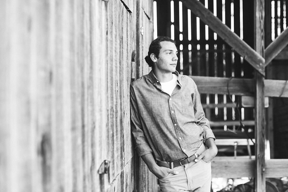 Evan Leichty 2017 Senior Rustic Barn Session_0002