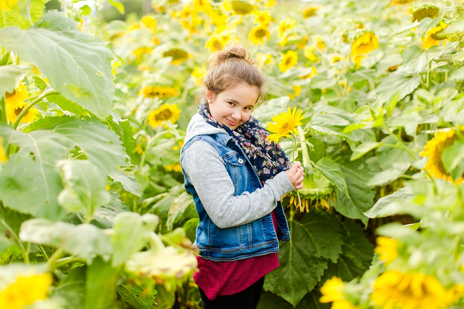 Joelle's 6th Grade Portraits in Sunflower Field and Fort Harrison in Dayton, Virginia_0007