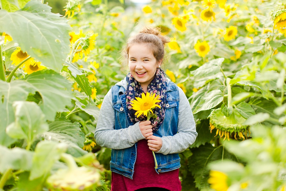 Joelle's 6th Grade Portraits in Sunflower Field and Fort Harrison in Dayton, Virginia_0009