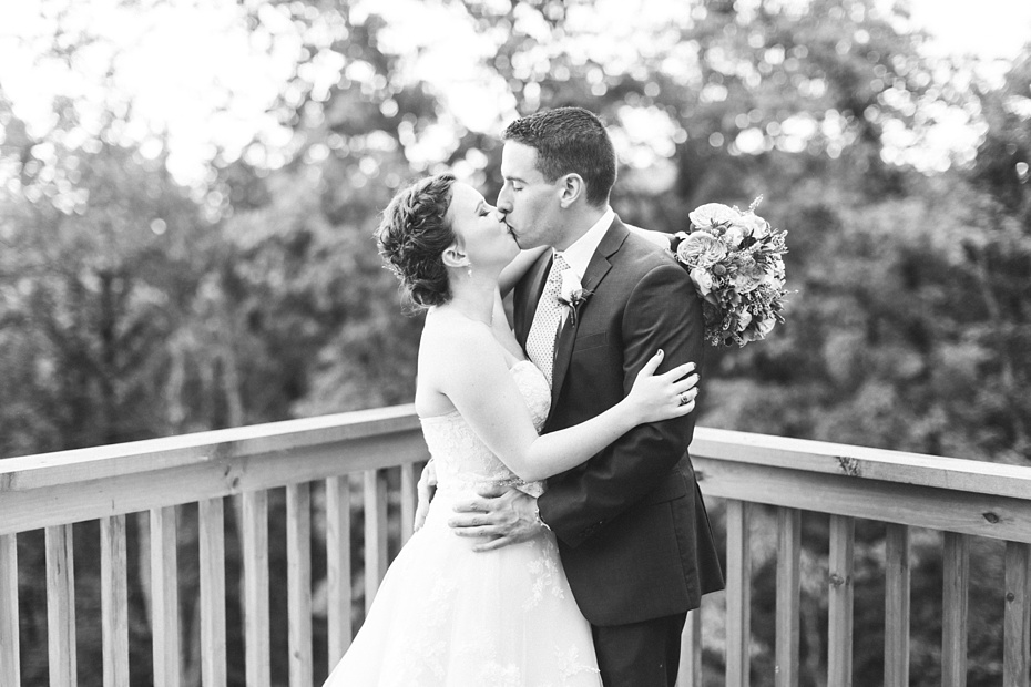 nick-de-maggio-and-claire-mcnabb-rustic-mountain-wedding-at-shenandoah-woods-in-luray-virginia_0022