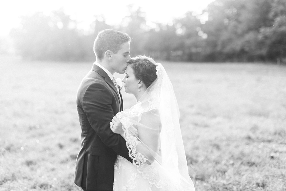 nick-de-maggio-and-claire-mcnabb-rustic-mountain-wedding-at-shenandoah-woods-in-luray-virginia_0060