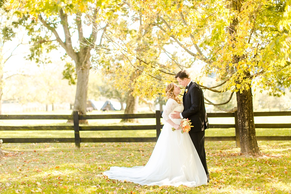 teal-champange-fall-wedding-at-gaie-lea-and-the-pavilion-at-bells-lane-in-staunton-virginia_0038