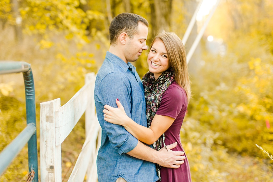justin-heather-fall-engagment-session-at-red-rocks-wilderness-overlook-park-in-leesburg-virginia_0014