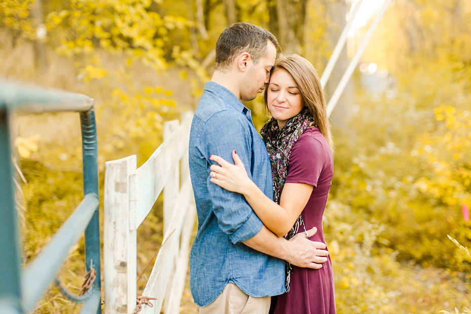 justin-heather-fall-engagment-session-at-red-rocks-wilderness-overlook-park-in-leesburg-virginia_0016