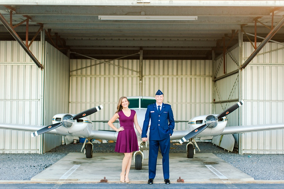 airport-engagement-session-air-force-engagement-session-at-shenandoah-valley-regional-airport-in-weyers-cave-virginia-emily-sacra-photography_0001