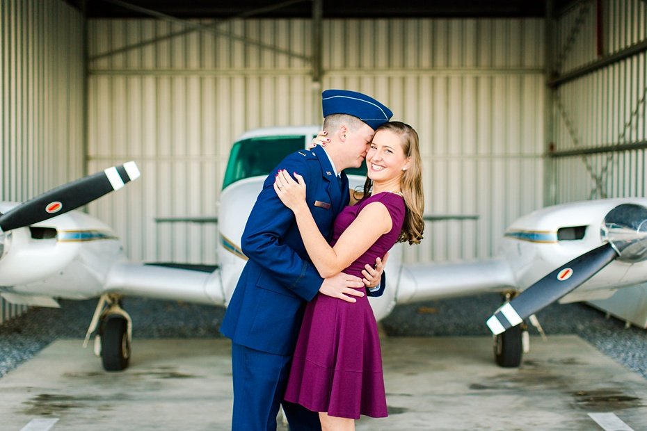 airport-engagement-session-air-force-engagement-session-at-shenandoah-valley-regional-airport-in-weyers-cave-virginia-emily-sacra-photography_0006