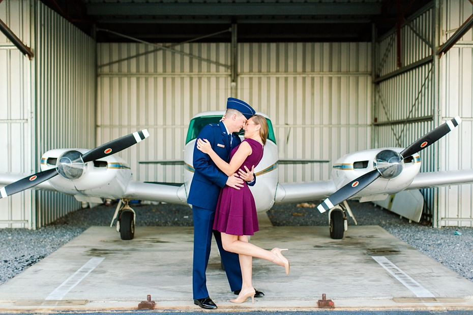 airport-engagement-session-air-force-engagement-session-at-shenandoah-valley-regional-airport-in-weyers-cave-virginia-emily-sacra-photography_0008