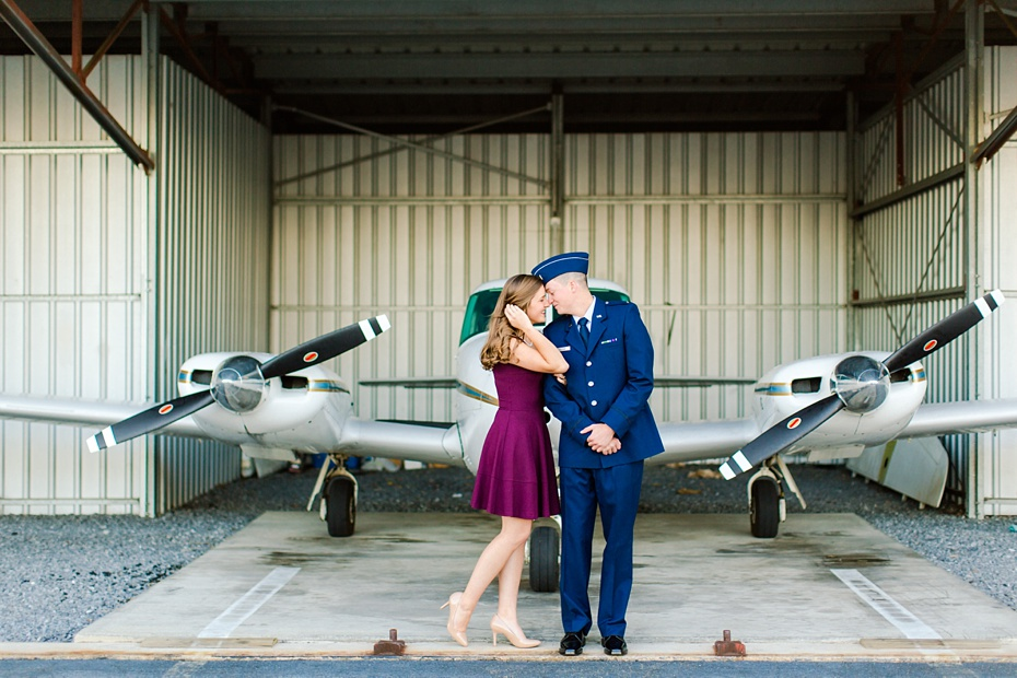 airport-engagement-session-air-force-engagement-session-at-shenandoah-valley-regional-airport-in-weyers-cave-virginia-emily-sacra-photography_0009
