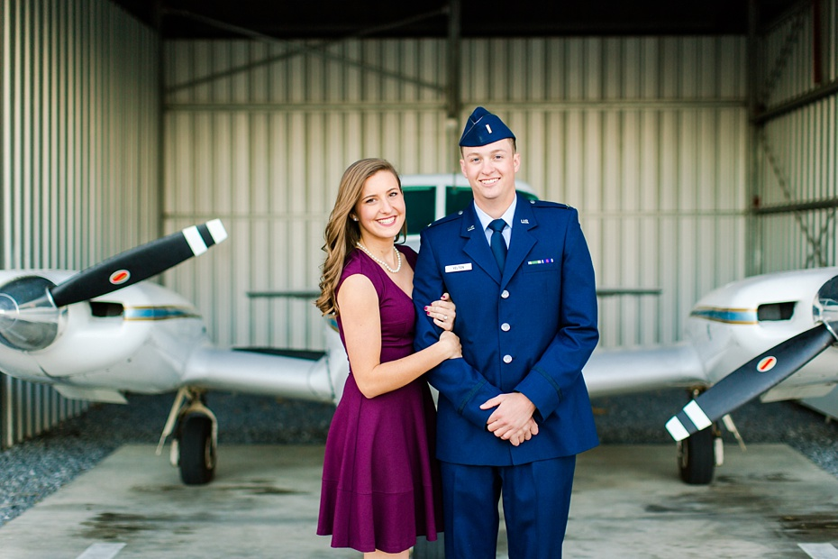 airport-engagement-session-air-force-engagement-session-at-shenandoah-valley-regional-airport-in-weyers-cave-virginia-emily-sacra-photography_0012