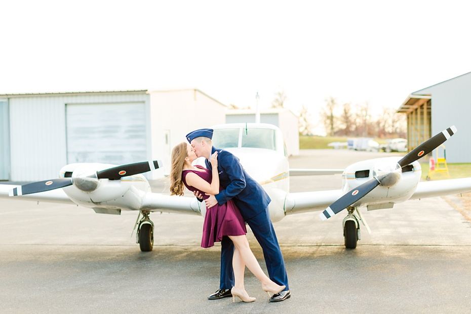 airport-engagement-session-air-force-engagement-session-at-shenandoah-valley-regional-airport-in-weyers-cave-virginia-emily-sacra-photography_0016