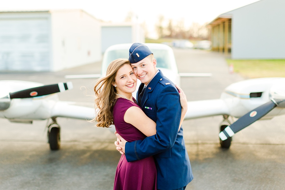 airport-engagement-session-air-force-engagement-session-at-shenandoah-valley-regional-airport-in-weyers-cave-virginia-emily-sacra-photography_0021