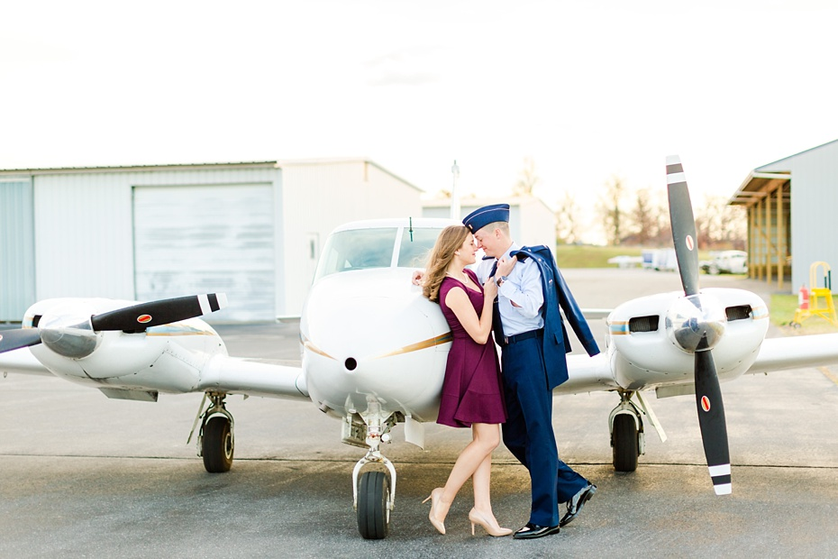 airport-engagement-session-air-force-engagement-session-at-shenandoah-valley-regional-airport-in-weyers-cave-virginia-emily-sacra-photography_0028