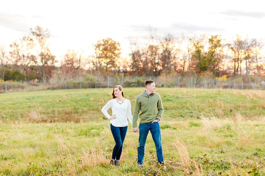airport-engagement-session-air-force-engagement-session-at-shenandoah-valley-regional-airport-in-weyers-cave-virginia-emily-sacra-photography_0034