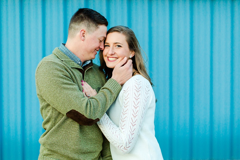 airport-engagement-session-air-force-engagement-session-at-shenandoah-valley-regional-airport-in-weyers-cave-virginia-emily-sacra-photography_0043