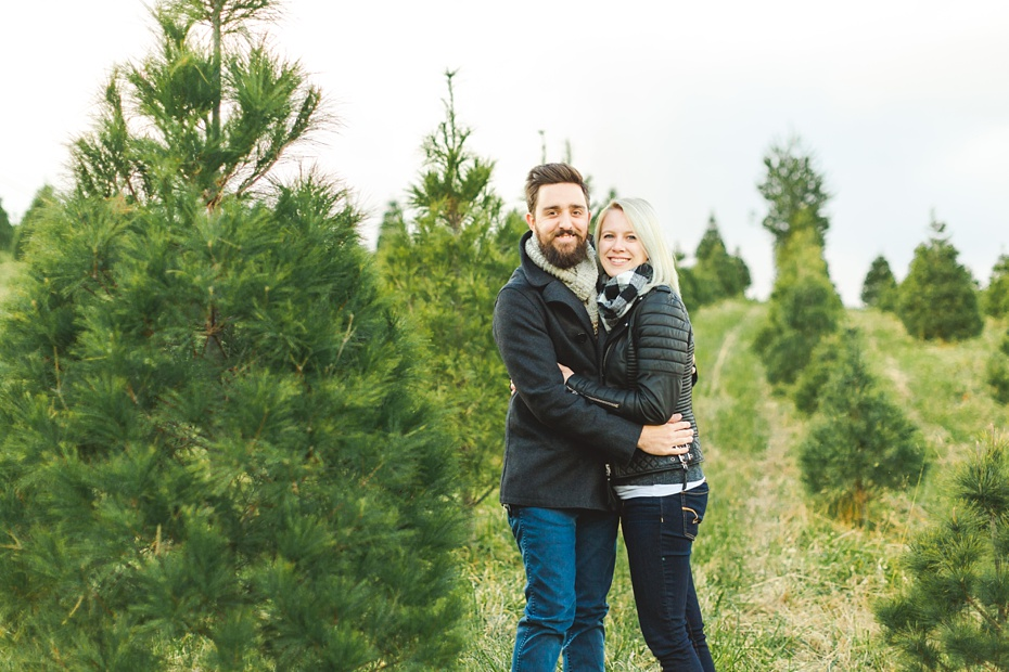 christmas-tree-farm-photo-session-virginia-wedding-and-engagement-photographer_0002