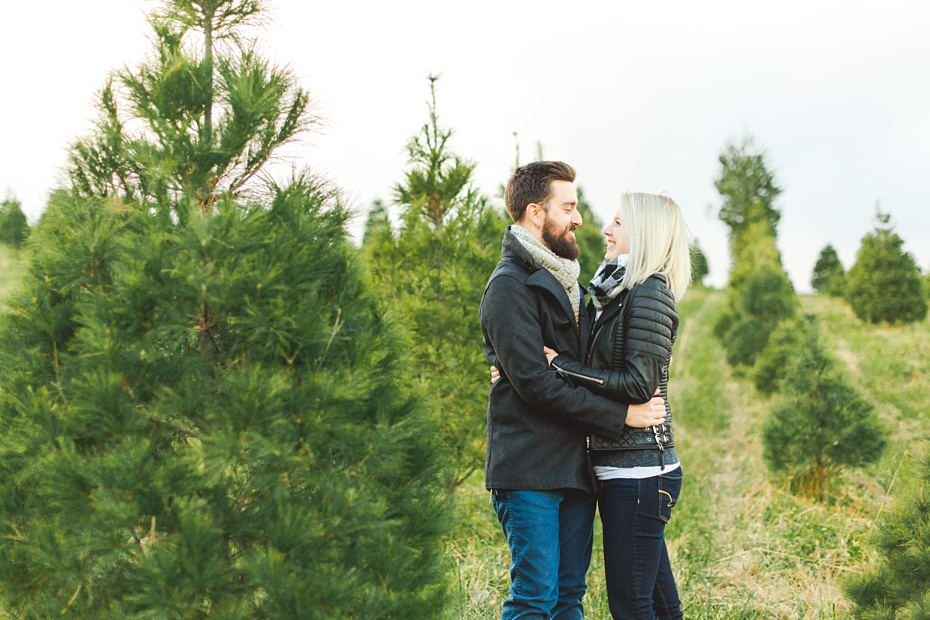 christmas-tree-farm-photo-session-virginia-wedding-and-engagement-photographer_0003