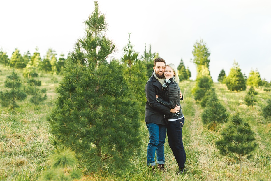 christmas-tree-farm-photo-session-virginia-wedding-and-engagement-photographer_0005