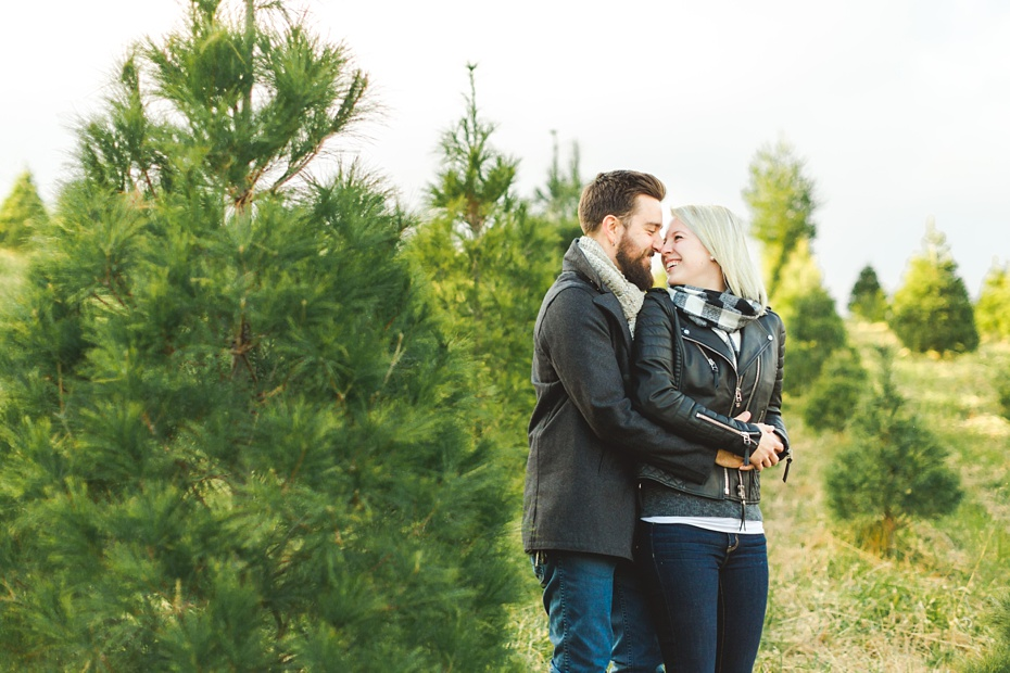 christmas-tree-farm-photo-session-virginia-wedding-and-engagement-photographer_0006