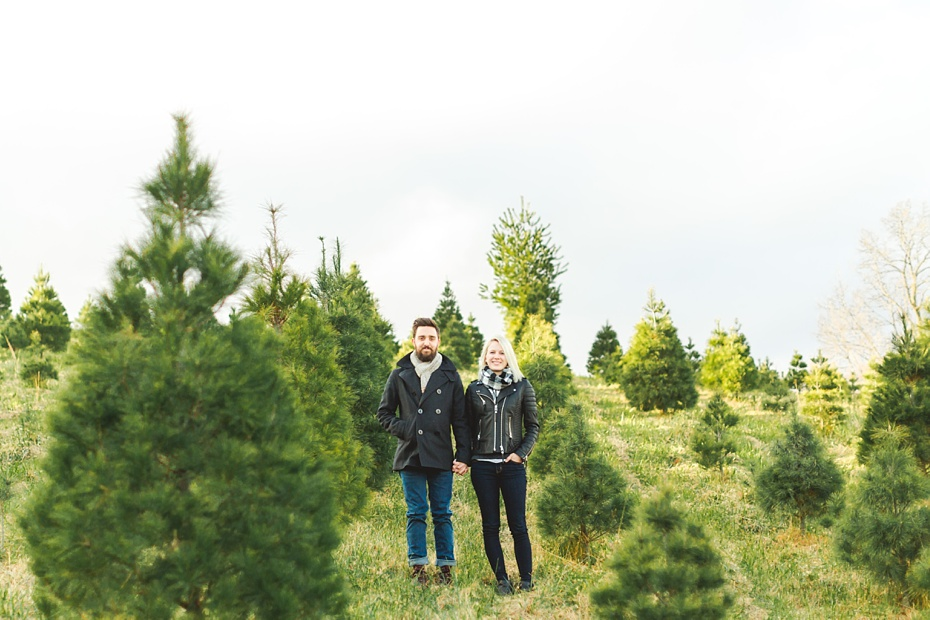 christmas-tree-farm-photo-session-virginia-wedding-and-engagement-photographer_0007