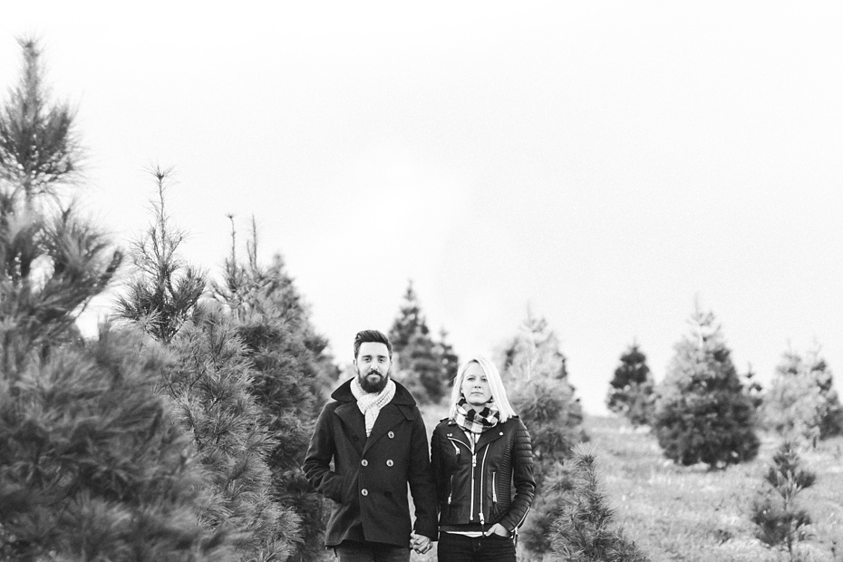 christmas-tree-farm-photo-session-virginia-wedding-and-engagement-photographer_0008