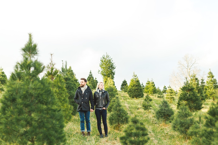 christmas-tree-farm-photo-session-virginia-wedding-and-engagement-photographer_0009