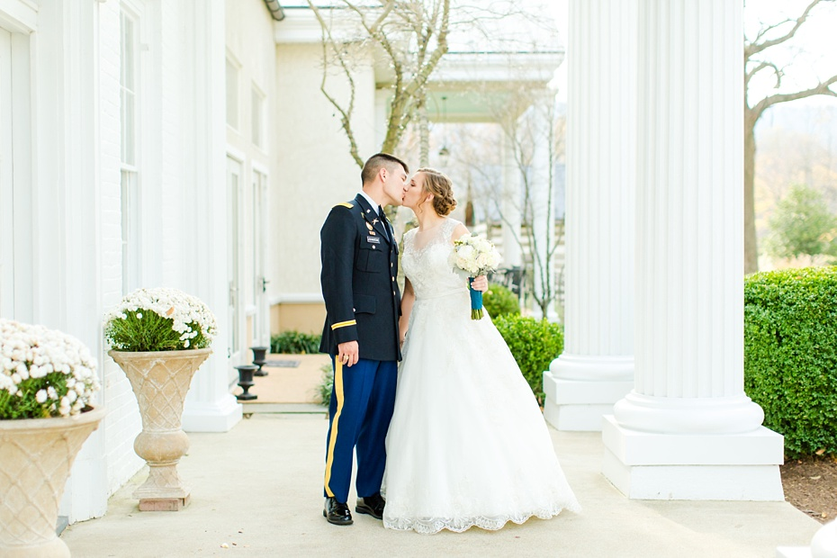 joshua-taylor-military-wedding-at-whitehall-manor-in-bluemont-virginia-emily-sacra-photography-virginia-and-destination-wedding-photographer_0040