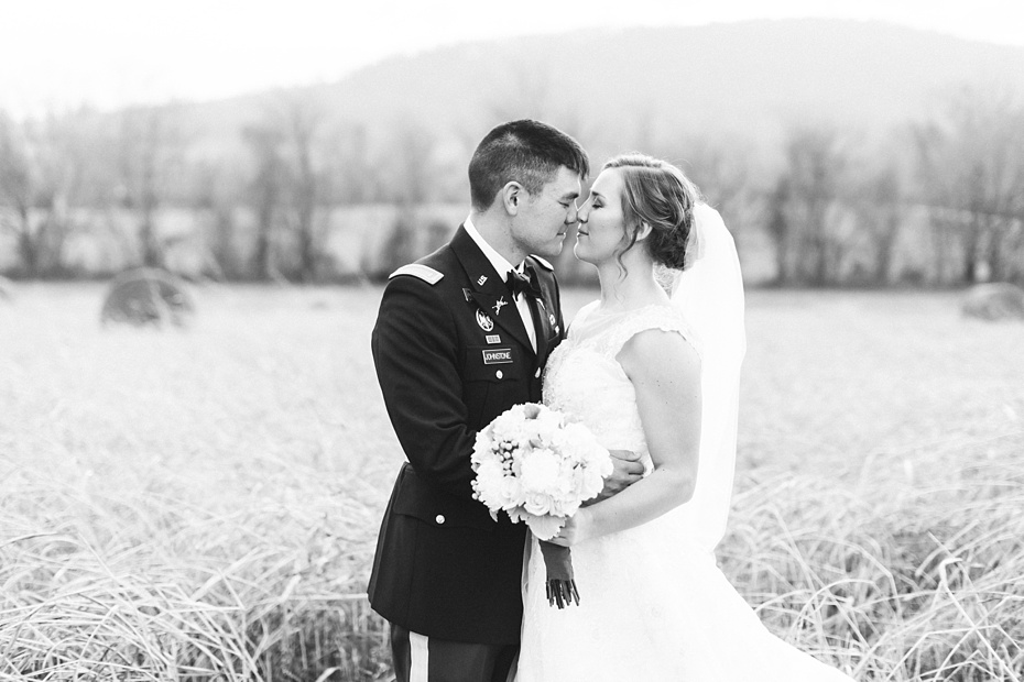 joshua-taylor-military-wedding-at-whitehall-manor-in-bluemont-virginia-emily-sacra-photography-virginia-and-destination-wedding-photographer_0080